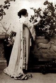 Eleonora Duse dans le rôle de Francesca da Rimini, de Gabrielle d'Annunzio